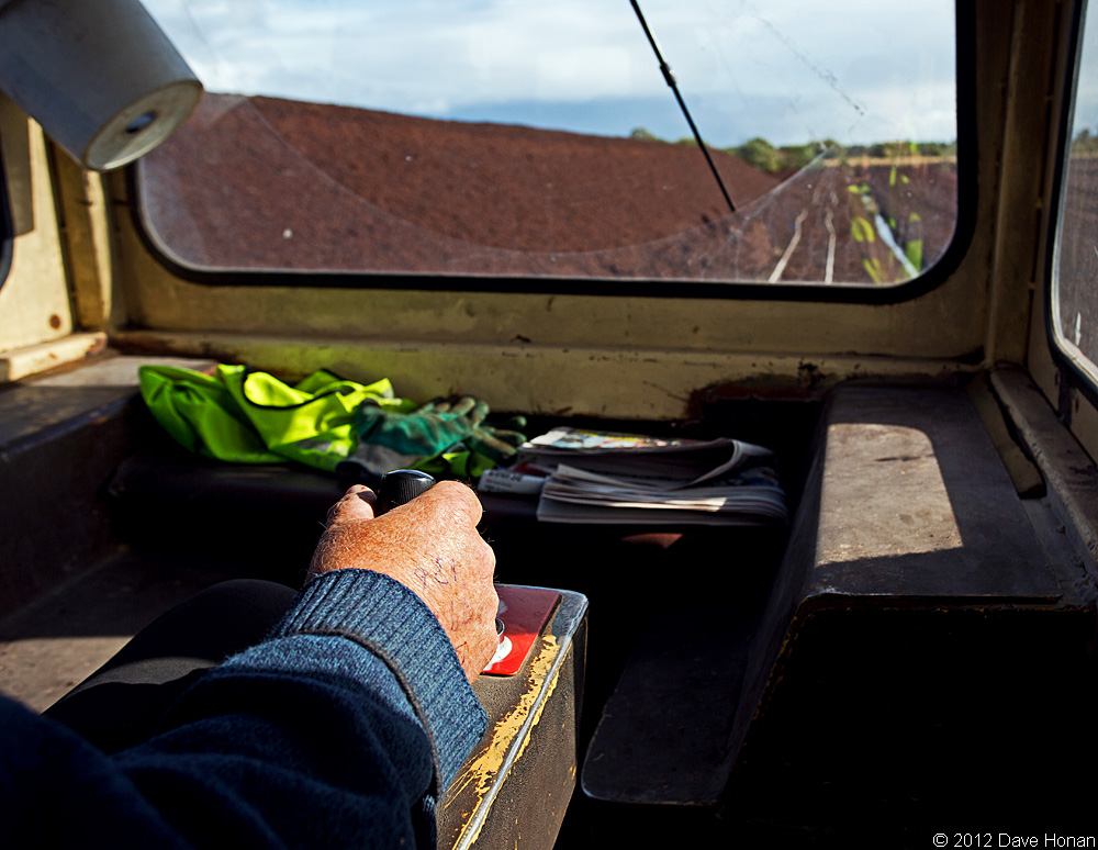 bnm-lm409-drivers-hand-bloomhill-ie-10-03-12_0400-l