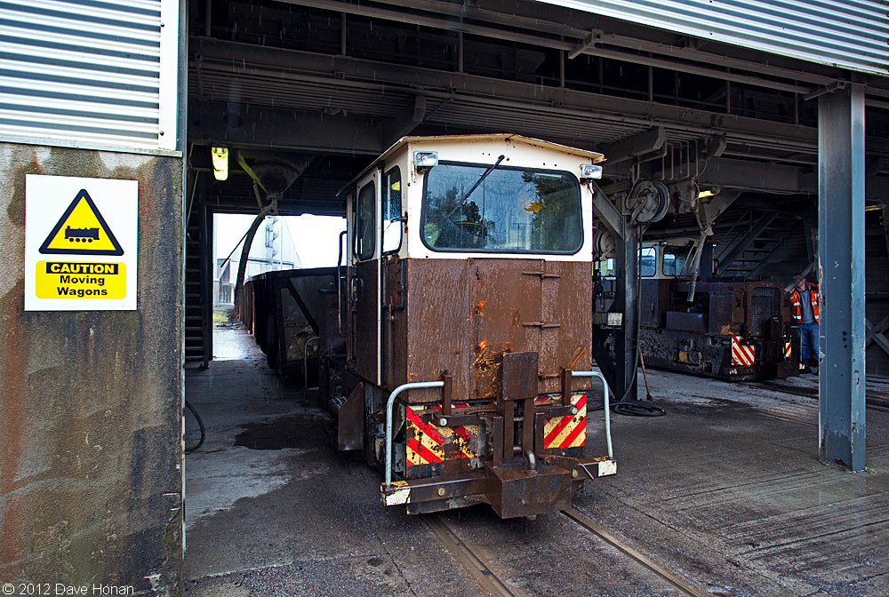 bnm-lm410-and-lm429-at-west-offaly-service-shed-shannonbridge-ie-10-02-12_9953-l