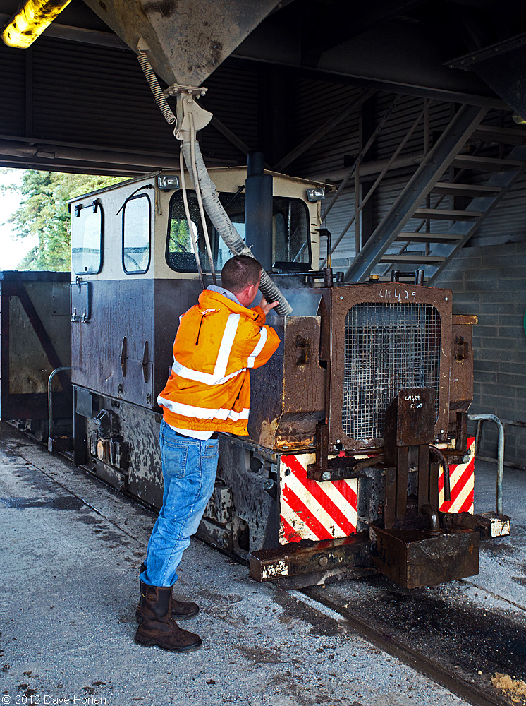 bnm-lm429-at-west-offaly-service-shed-shannonbridge-ie-10-02-12_9958-l