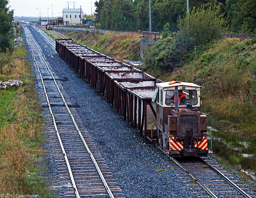 bnm-lm429-at-west-offaly-shannonbridge-ie-10-03-12_0139-l