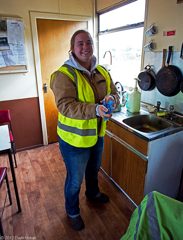 cortney-in-tea-centre-bloomhill-ie-10-03-12_0356-l